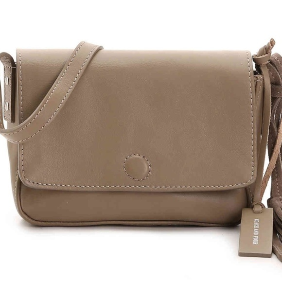 2789e5c35774 Coach and four front flap leather crossbody NWT